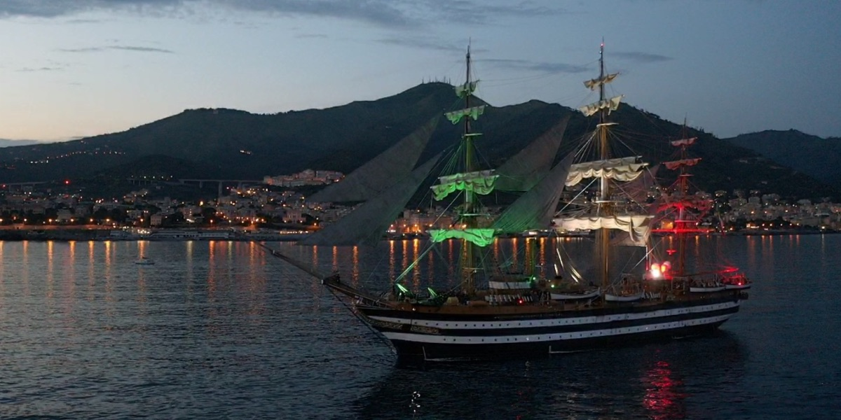 The ship Amerigo Vespucci to the inauguration of the new bridge San Giorgio in Genoa.